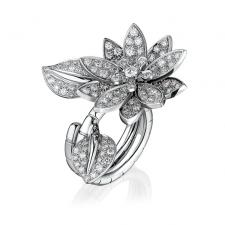 Van Cleef & Arpels. LOTUS BETWEEN THE FINGER RING