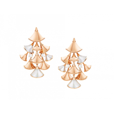 Bvlgari DIVAS'DREAM - MOTHER OF PEARL EARRINGS AND DIAMONDS