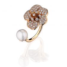 Van Cleef & Arpels. PEARL & DIAMOND FLOWER